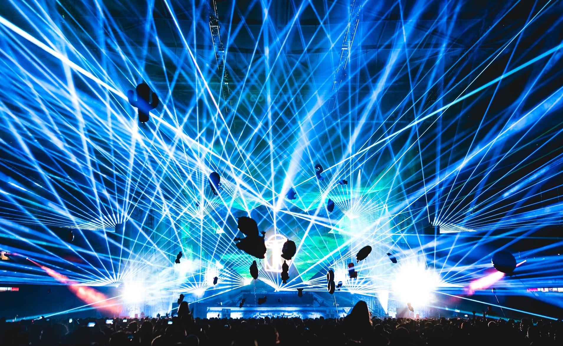 Transmission 2017 Etihad Stadium lasers