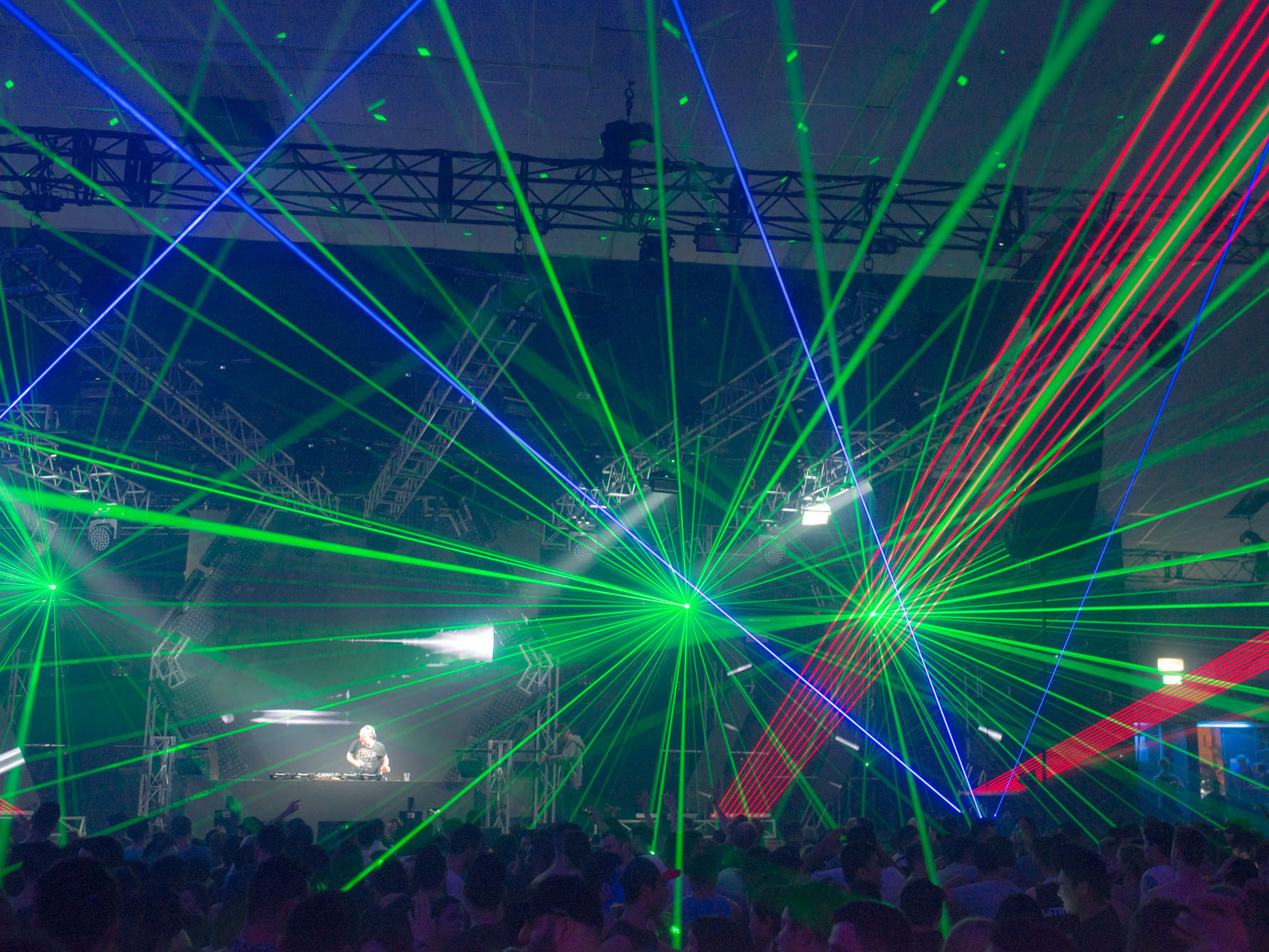 Cosmic Gate DMX laser effects