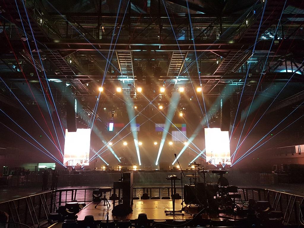 Twenty One Pilots New Zealand 2017 laser shows